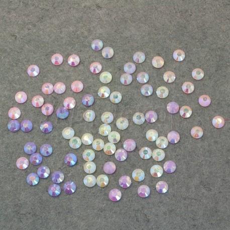 Стразы перламутровые цветные 0,7 см.